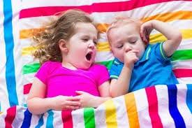Divorcio y separación de padres con hijos de padre o madre, hermanastros